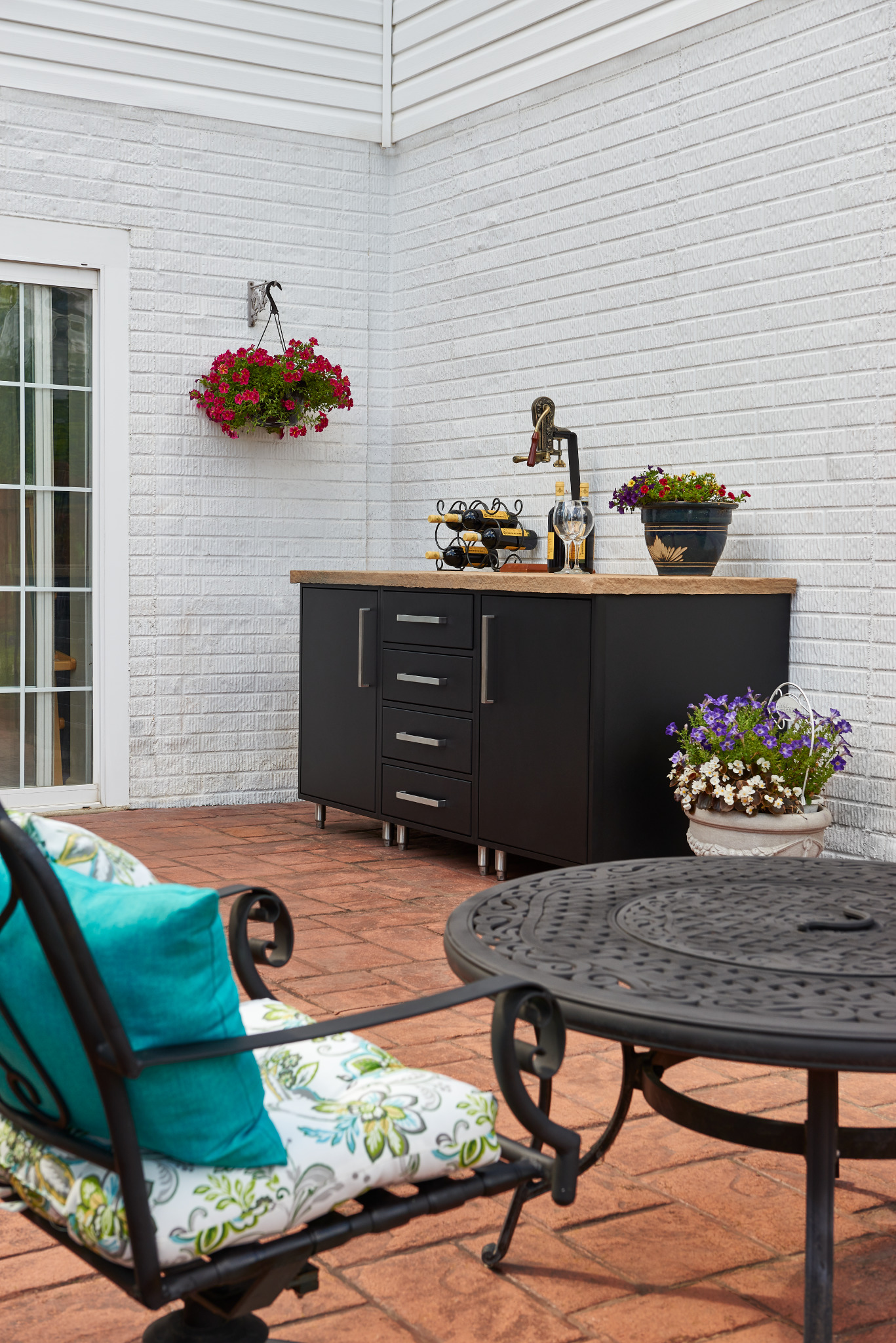 Black Outdoor Cabinetry