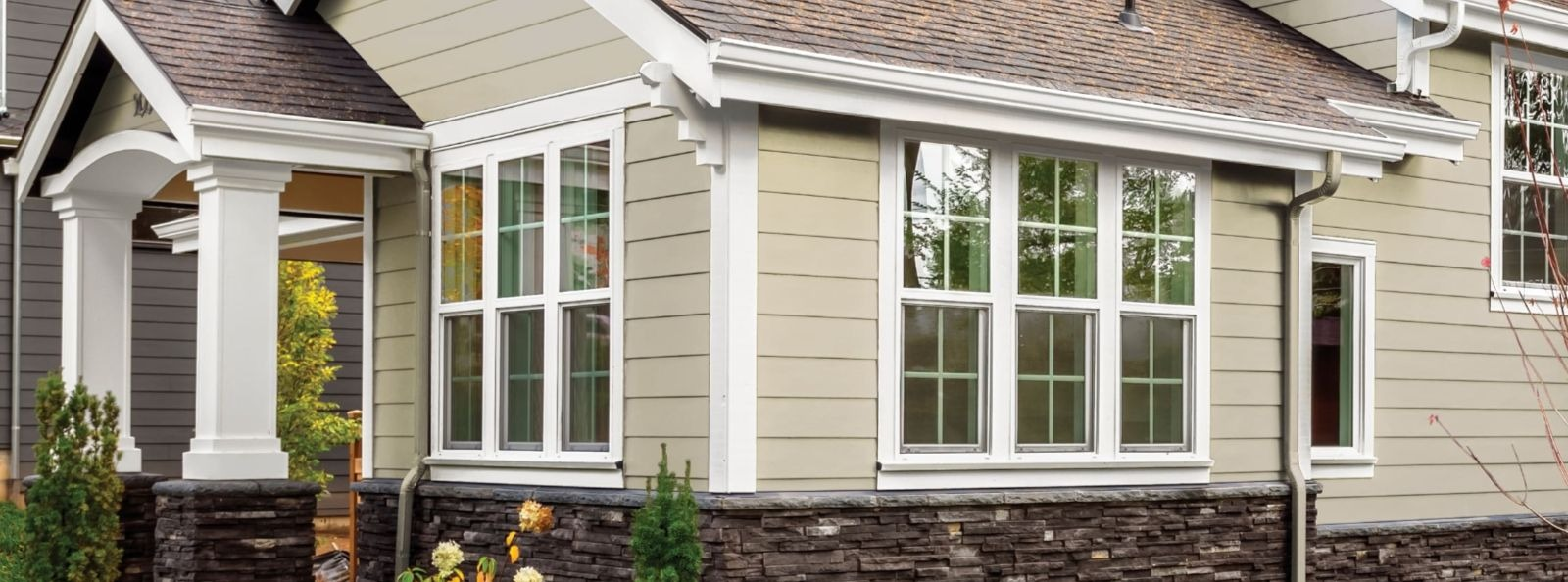 Riverstone Wolf Portrait Siding