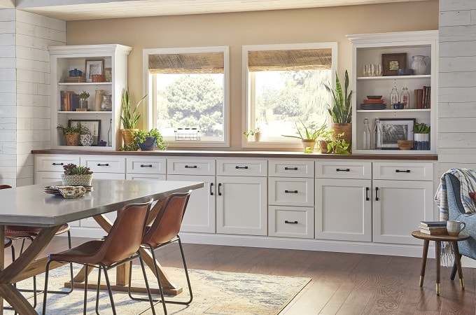 Wolf Classic Cabinet - York in White Paint