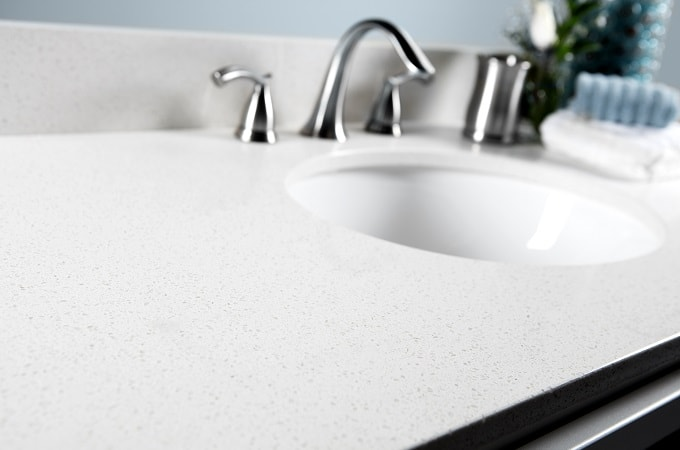 Wolf Quartz Vanity Top in Diamond White