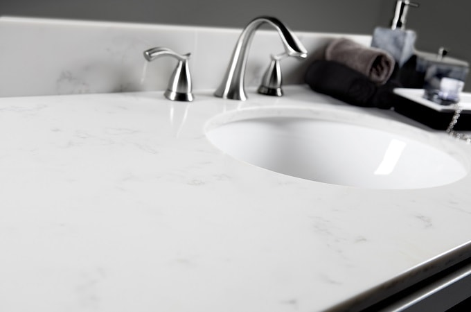 Wolf Quartz Vanity Top in Tempest Carrara
