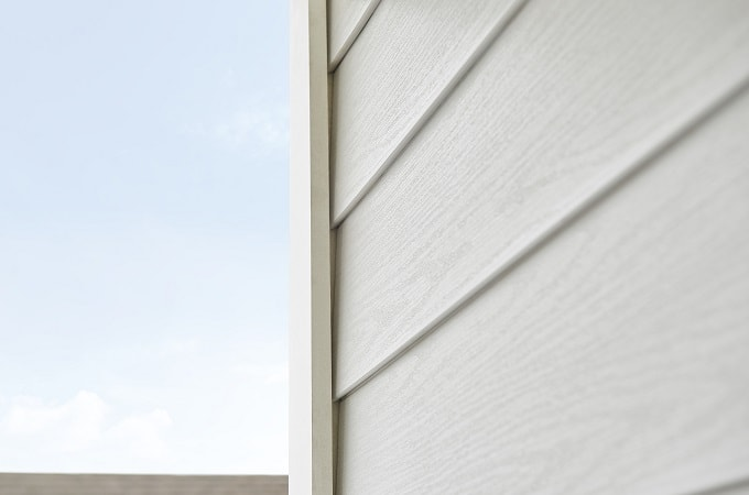 Wolf Portrait Siding in Oyster White