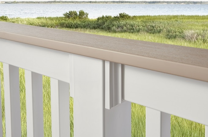 Wolf Railing in White