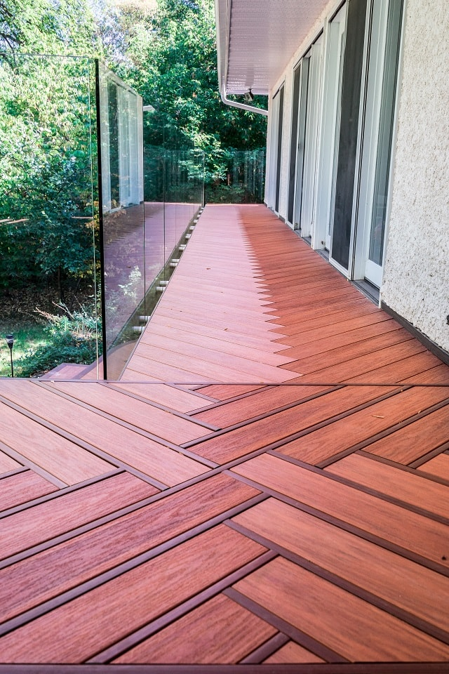 Wolf Serenity Decking in Teakwood & Rosewood