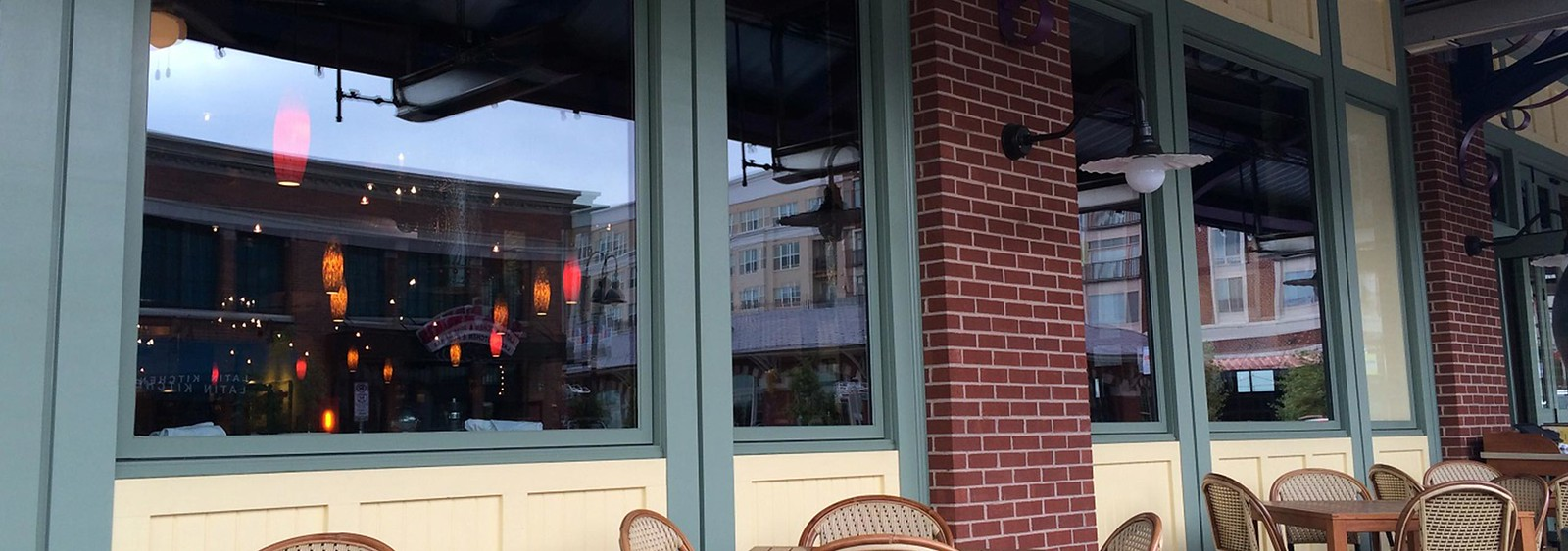 Boral TruExterior Trim on restaurant storefront
